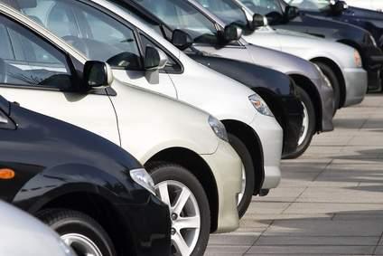 Autofinanzierung: Lieber per Autokredit oder über den Händler finanzieren?